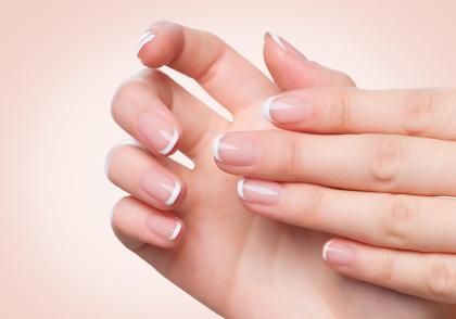 Manicure Gelish French